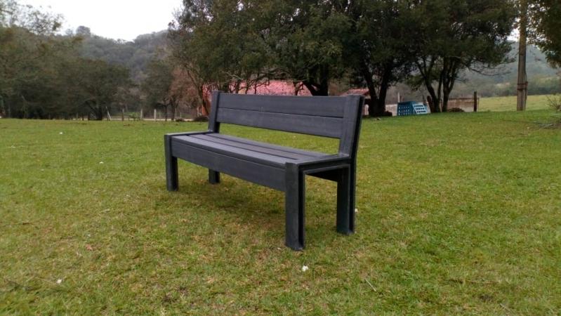 Procuro por Banco Plástico de Jardim Barueri - Banco de Jardim de Plástico Branco